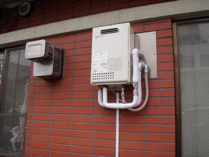 給湯器交換2013‐9自由が丘 (5).jpg